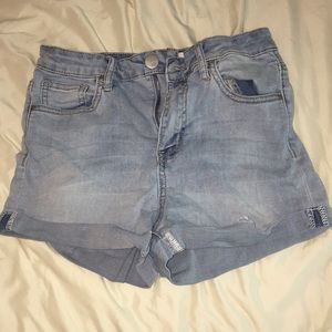 Tillys's (RSQ) light wash jean shorts